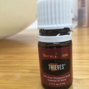 THIEVES YL ESSENTIAL OIL